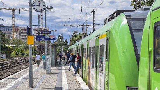 railway-station-4403120
